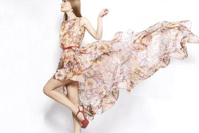 Ein Sommerkleid mit einem einfachen Schnitt ist schnell genäht.
