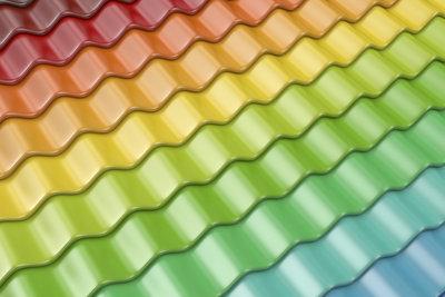 Dachfarbe ist nicht nur schön, sie schützt das Dach auch.