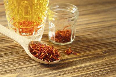 Chili-Öl eignet sich prima zum Würzen von Pastagerichten.