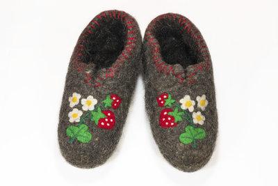 Filzpantoffeln halten Ihre Füße wohlig warm.