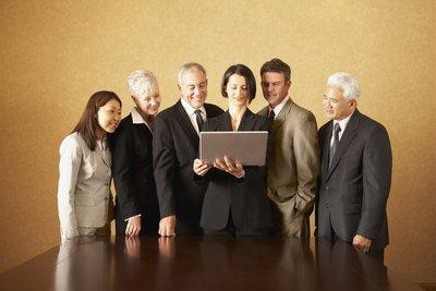 Die GmbH setzt sich aus mindestens einem Gesellschafter zusammen.