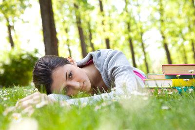 Frühjahrsdepression ist die Folge von Lichtmangel und Wetterumstellungen.