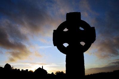 Das Keltenkreuz ist von ungelösten Rätseln umgeben.