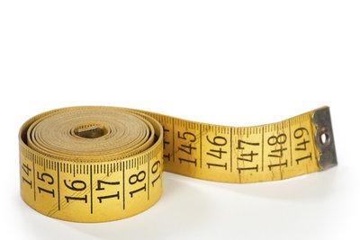 Das metrische System erlaubt uns, Längen und Gewichte einheitlich zu messen.