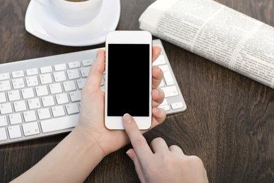 Smartphone-Banking via App funktioniert einfach und sicher.