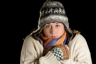 Gegen Schüttelfrost sollte man sich immer schön warm anziehen.