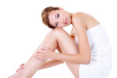 Glatte Beine sind Pflicht, aber was tun bei einem eingewachsenen Haar?