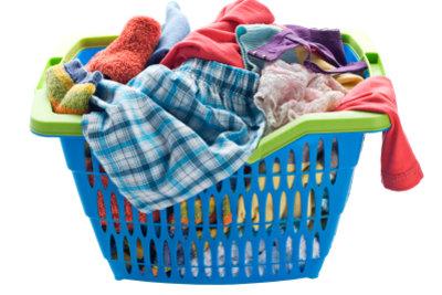 Farbige stets von weißer Wäsche trennen lautet das Prinzip, sonst passieren Verfärbungen.