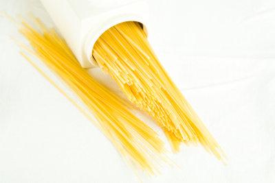 Nudeln, Kartoffeln, Brot sind beim Kochen ohne Kohlenhydrate verboten.