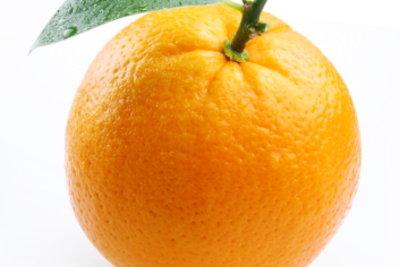 Orangen sind kalorienarm und lecker, also perfektes Obst zum Abnehmen.