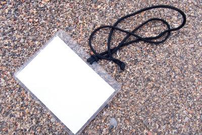 wenn Sie Ihren Fahrzeugbrief verloren haben, beantragen Sie schnellstmöglich Ersatzpapiere.
