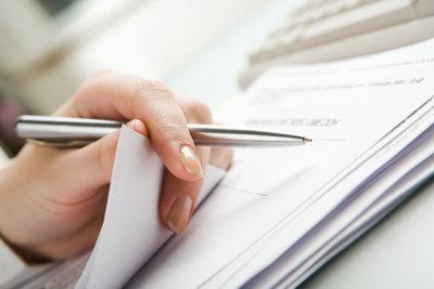 Es lohnt sich, bereits während des Praktikums Notizen für den späteren Praktikumsbericht zu machen.