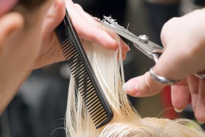 Haare schneiden ist einfacher als es aussieht, aber noch lange keine Unmöglichkeit.