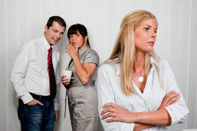 Mobbing am Arbeitsplatz kann zu einer massiven Belastung werden.