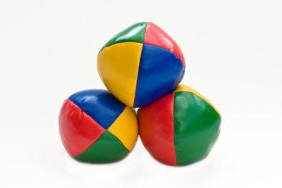 Jonglierbälle selber basteln ist nicht schwerer als jonglieren.