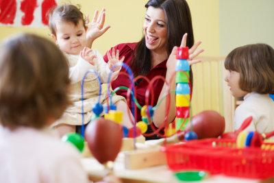 Bringen Sie Kindern mit viel Freude die Welt näher