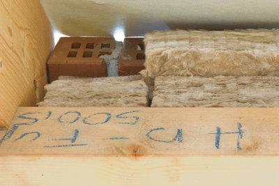 Dämmwolle ist die perfekte Grundlage für den gedämmten Dachboden.