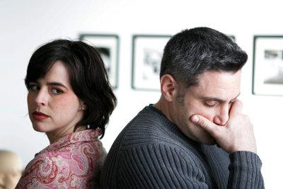Verlorenes Vertrauen nach einer Affäre gewinnen Sie nur durch gegenseitiges Verständnis wieder.