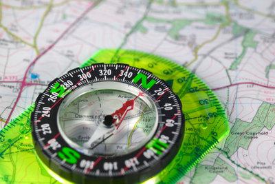 Eine Schnitzeljagd kann Sie überall hin führen, da ist ein Kompass schon mal hilfreich.
