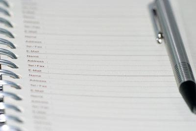 Block und Stift sind die besten Helfer für einen strukturierten Tagesplan.