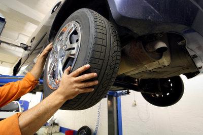 Alte Reifen sollten beim Kauf von neuen gratis entsorgt werden.