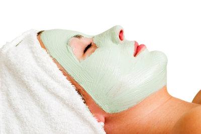 Gönnen Sie Ihrer Haut ab und zu eine Gesichtsmaske!