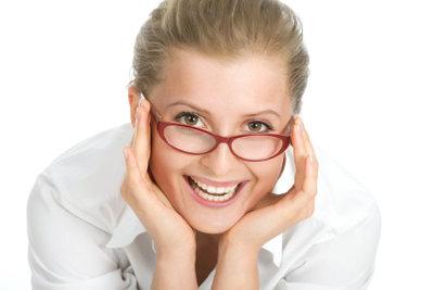 Eine Brille muss nicht nur schön aussehen, Sie muss auch in der Größe passen.