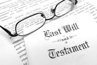 Halten Sie Ihren letzten Willen in einem Testament fest für das Nachlassgericht.