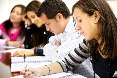 Die meisten Absolventen melden sich nach dem Studium erstmal arbeitslos.