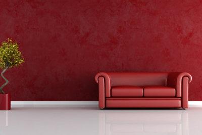 Rote Wände sind nicht mehr in Mode. Sie können sie einfach überstreichen.