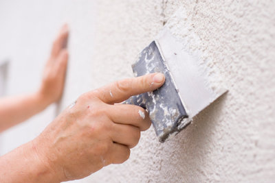 Risse in der Wand - so schaffen Sie Abhilfe