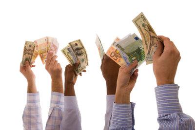 Die Gehaltsvorstellungen im Anschreiben zu erwähnen, erleichtern persönliche Gehaltsverhandlungen.