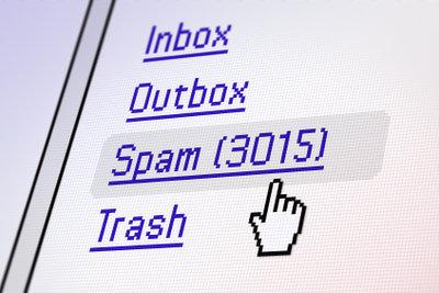 Nur noch Spam im Posteingang? Da hilft manchmal nur noch das Löschen des Accounts.