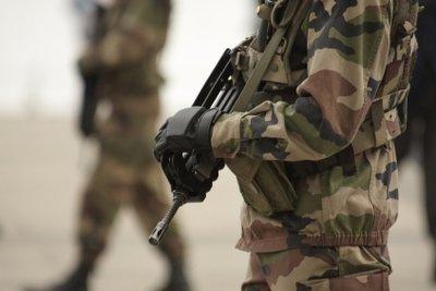 Um Soldat auf Zeit zu werden, müssen Bewerber einen mehrstufigen Test bestehen