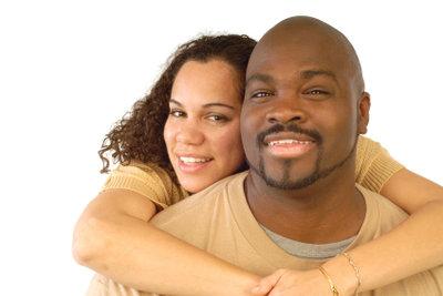Die Gefühle sind zwar stark, doch wie erkennt man, ob einem der Partner des Lebens gegenüber steht?