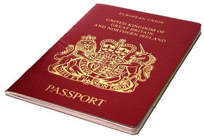 Schnell handeln gilt es, wenn Sie den Reisepass im Ausland verloren haben.