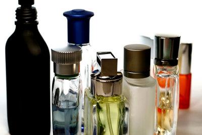 Zu viel oder das falsche Parfüm aufgetragen? So können Sie den Geruch reduzieren!