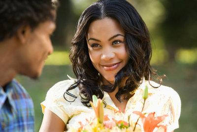 Erobern Sie Ihr Herz durch Aufmerksamkeiten, dann beginnt sie, Sie zu lieben!