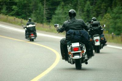 Zum gut gepflegten Motorrad gehört auch ein gut gewarteter und gereinigter Luftfilter