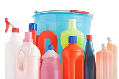 Viele der chemischen Kalkentferner lassen sich durch einfache Hausmittel ersetzen.