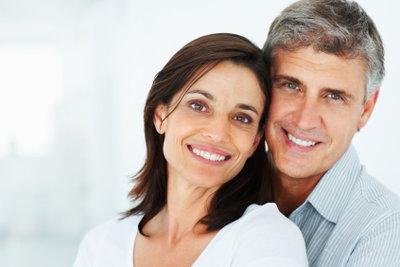 Eine Beziehung zwischen einem älteren Mann und einer jungen Frau ist nichts Ungewöhnliches!