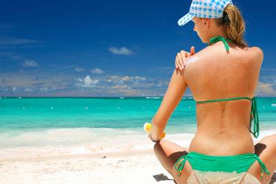 Berechnen Sie Ihren Lichtschutzfaktor richtig, um Ihre Haut optimal zu schützen.