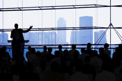 Eine gute Einleitung Ihrer Präsentation zieht alle Zuhörer in ihren Bann.