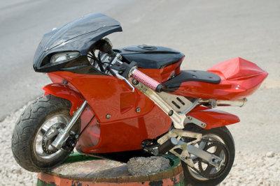 Nur auf privatem Gelände oder extra dafür bestimmtem Gelände dürfen Pocketbikes gefahren werden.