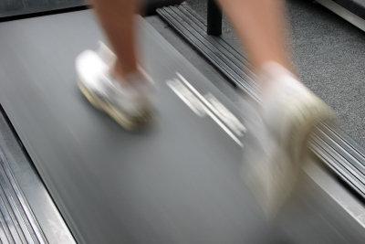 Ausdauertraining hilft, wenn Sie am Bauch abnehmen wollen.