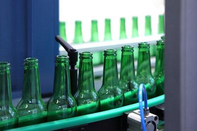 Für Bierflaschen bezahlen Sie in Deutschland acht Cent Pfand.