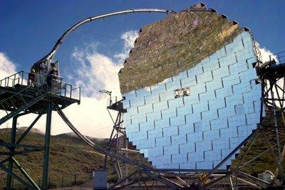 Grundlage eines Solarkochers ist ein gekrümmter Spiegel.