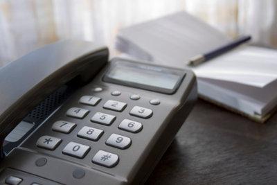 So können Sie unbekannte Nummern auf Ihrem Telefon-Display zuordnen.