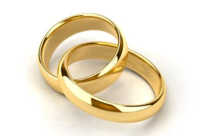 So erkennen Sie ob es sich bei ihrem Schmuck um echtes Gold handelt.