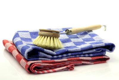 Mit den richtigen Hilfsmitteln, geht das Putzen viel leichter von der Hand.